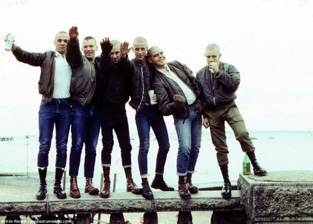 38a3ace100000578-0-skinheads_performing_nazi_salutes_-a-123_1474460586413